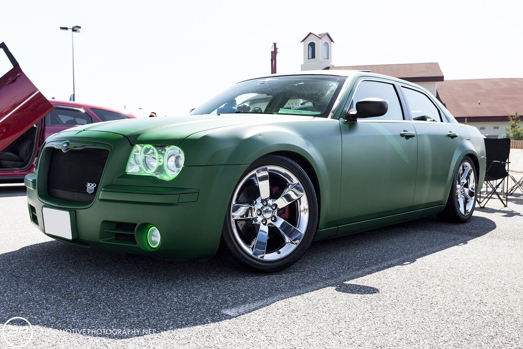 Chrysler 300 Custom Matte - Green Paint